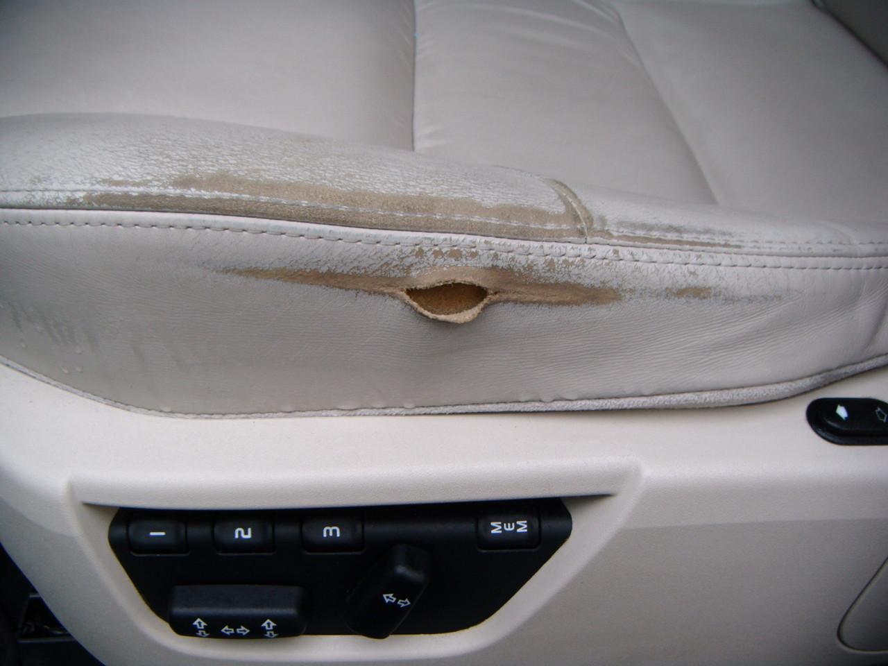 Leder Reparatur Autositz  (Vorher)