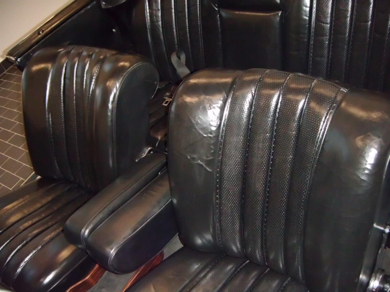 oldtimer restauration lederreparatur lederreparatur frankfurt leder aufbereitung leder pflege. Black Bedroom Furniture Sets. Home Design Ideas