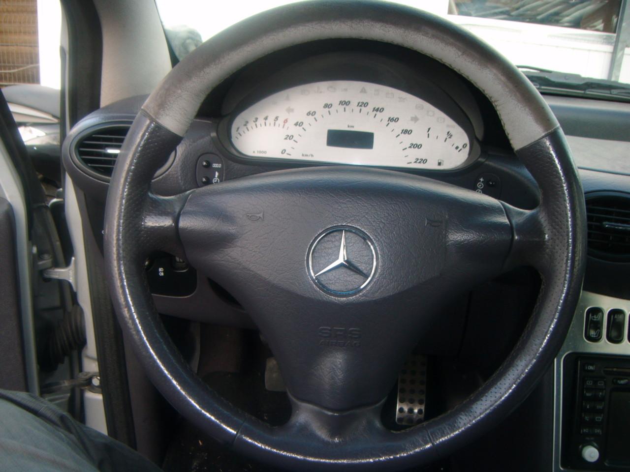 Leder Lenkrad Färben Mercedes A Klasse  (Vorher)