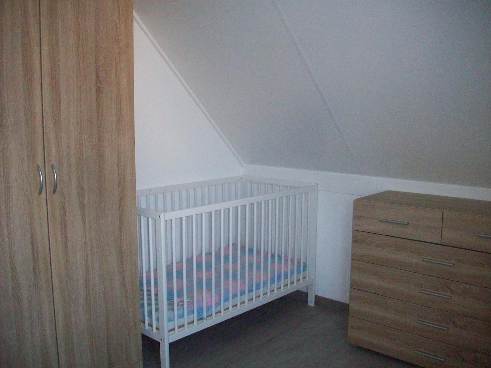 Kinderbett im 1. Schlafzimmer