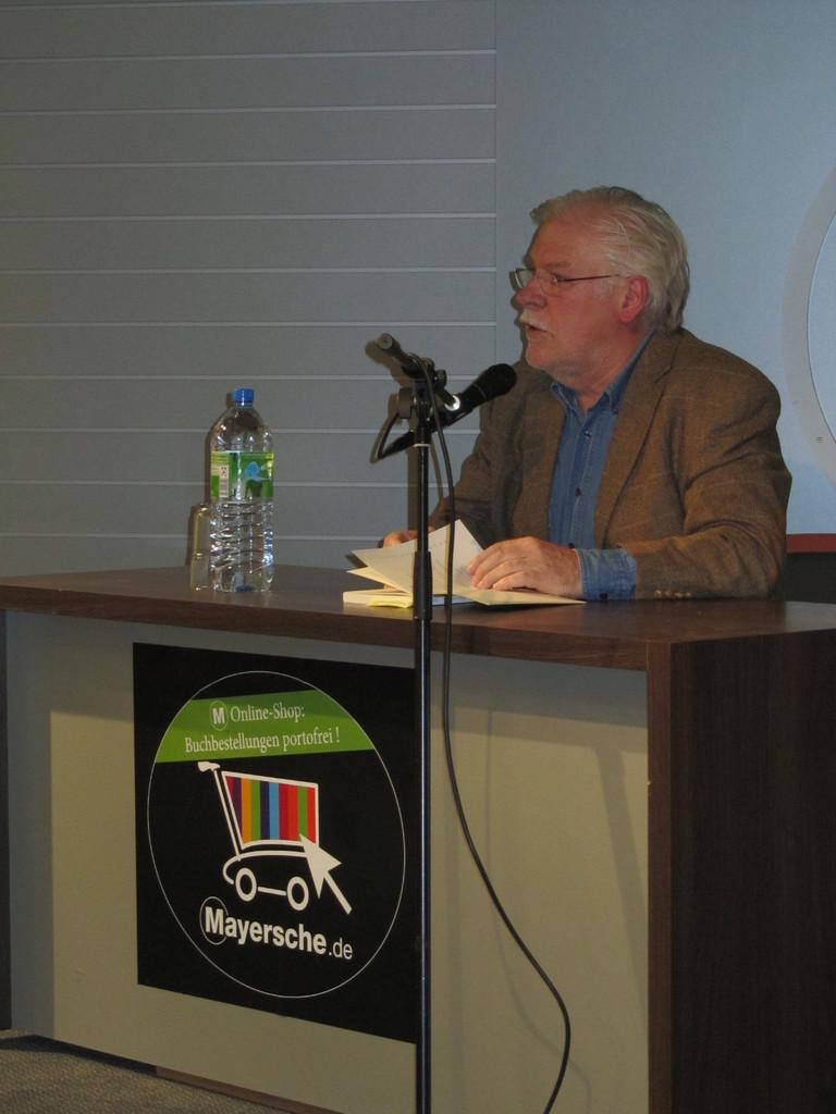 """""""Bochumer Häuser - Neue Geschichten ..."""" Lesung in der Mayerschen"""