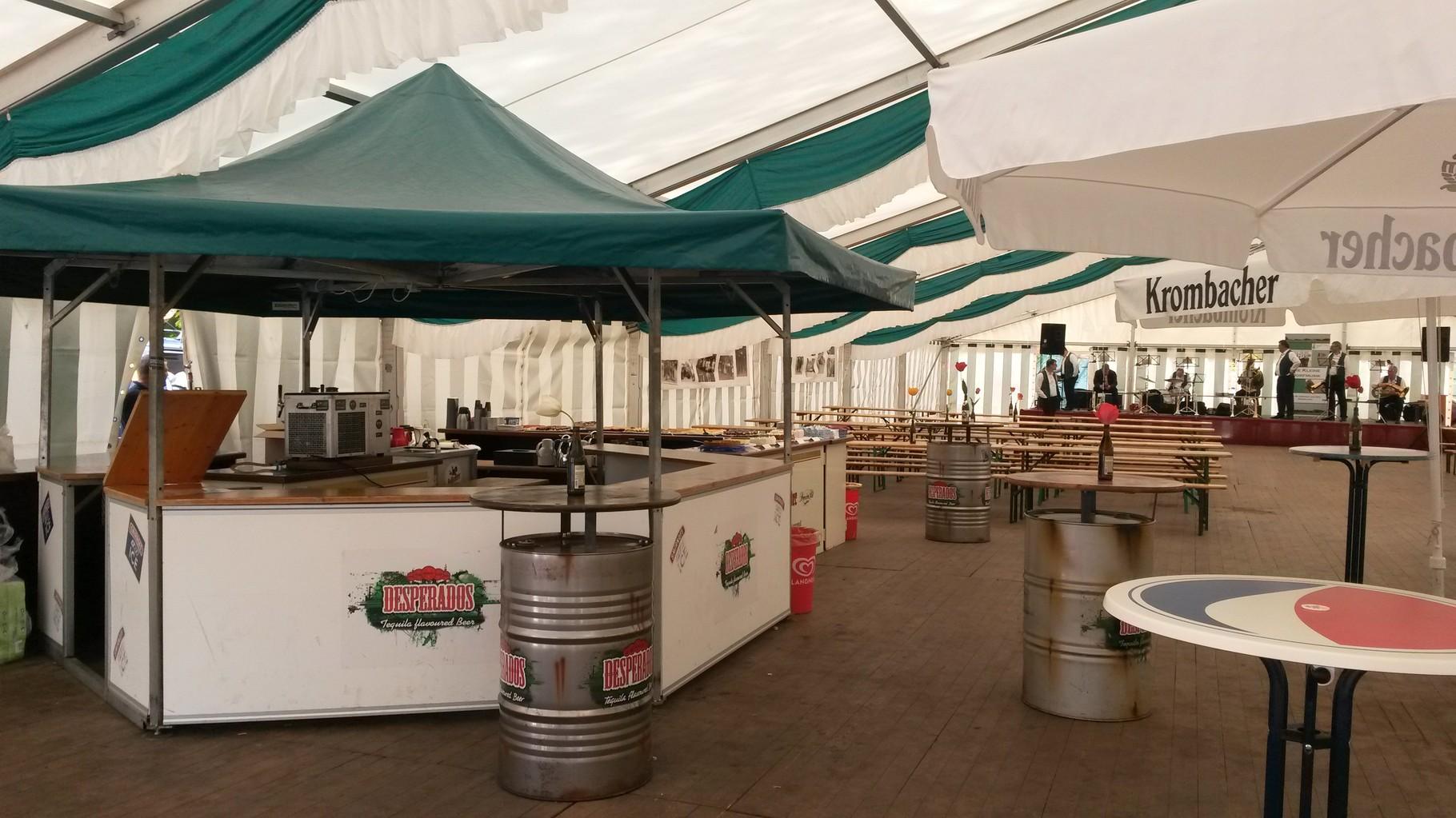 Zelt mit Bar im Sechseckpavillion