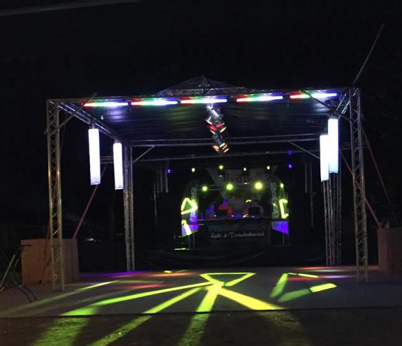 Bühnenaufbau / Tanzveranstaltung
