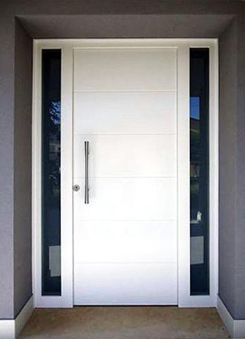 Portoncino ingresso laccato bianco con maniglione mod. Zen