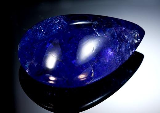 Синий сапфир - самый сильный камень Сатурна