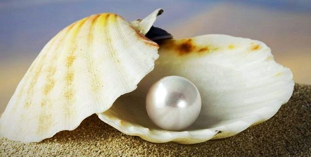 Морской жемчуг - самый сильный камень Луны