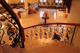escalier et salon