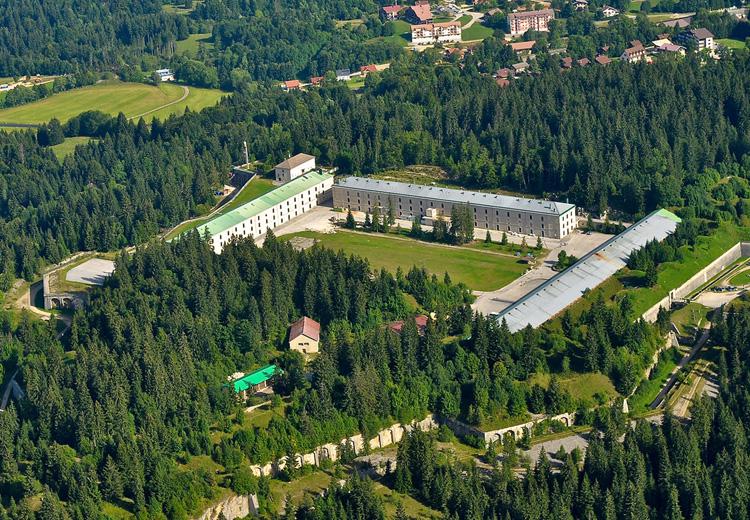 Le fort des Rousses dans le Jura