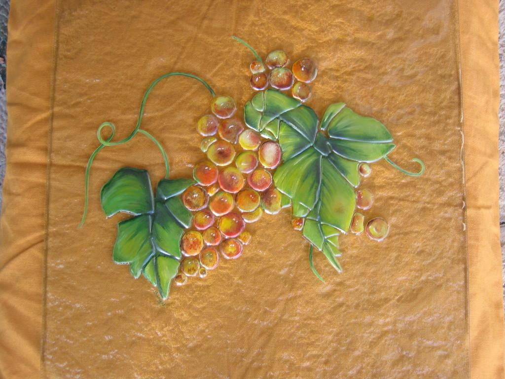 grappes de raisin inserré dans une porte d'entrée