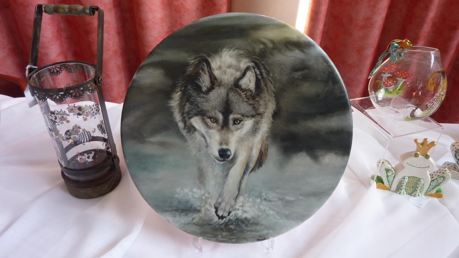 un loup s'avance...