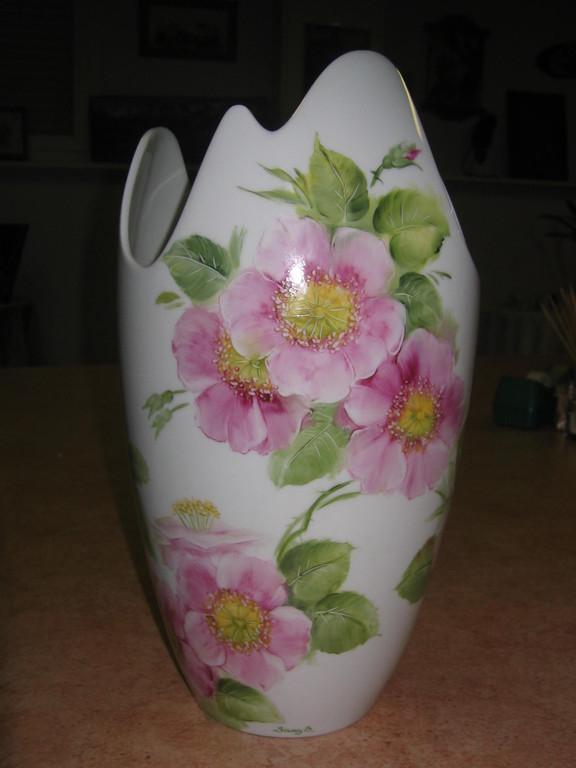 Eglantines sur un vase selon la méthode américaine