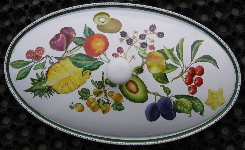 Grand plat avec couvercle aux fruits de toutes saisons
