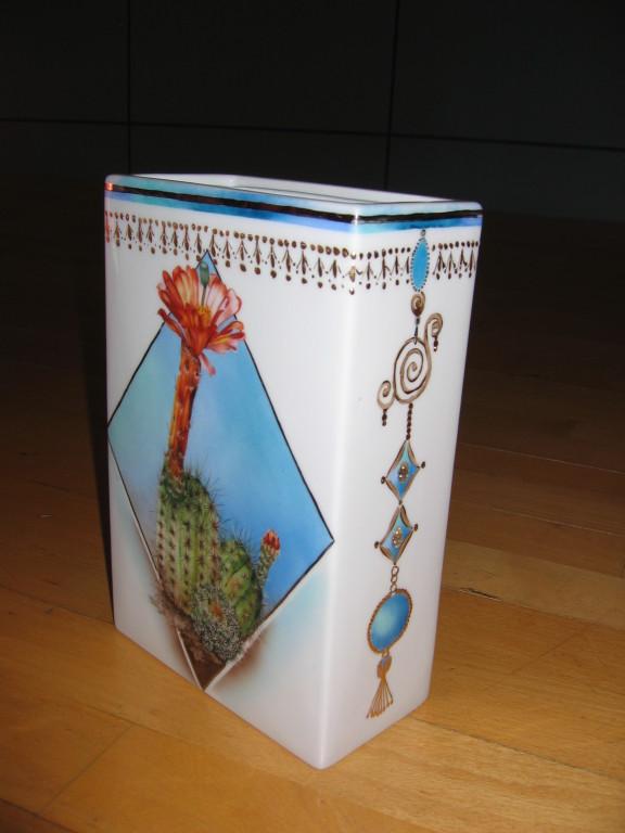 cactus sur un vase selon la méthode traditionnelle
