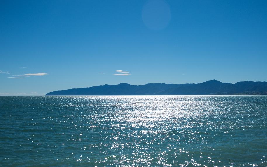 Rechts die Tasman-Sea ...
