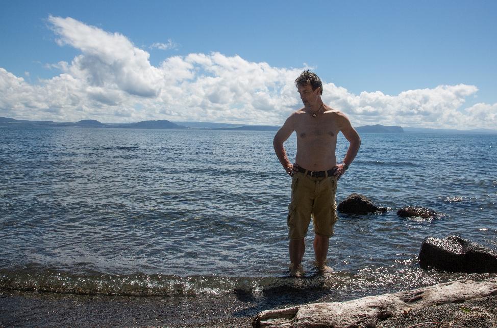 Aber nicht nur die Neuseeländer werden hier auf witzige Art ideenreich, sondern auch unser Jan, der erst seine Hose...