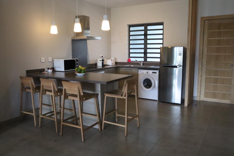 achat et revente appartement T2 Choisy les bains plage à pieds JINVESTY ile maurice votre agence immobilière.