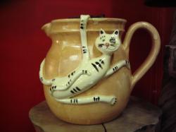 pichet cerramique avec chat