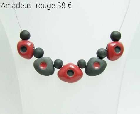 description du collier de perles en ceramique raku