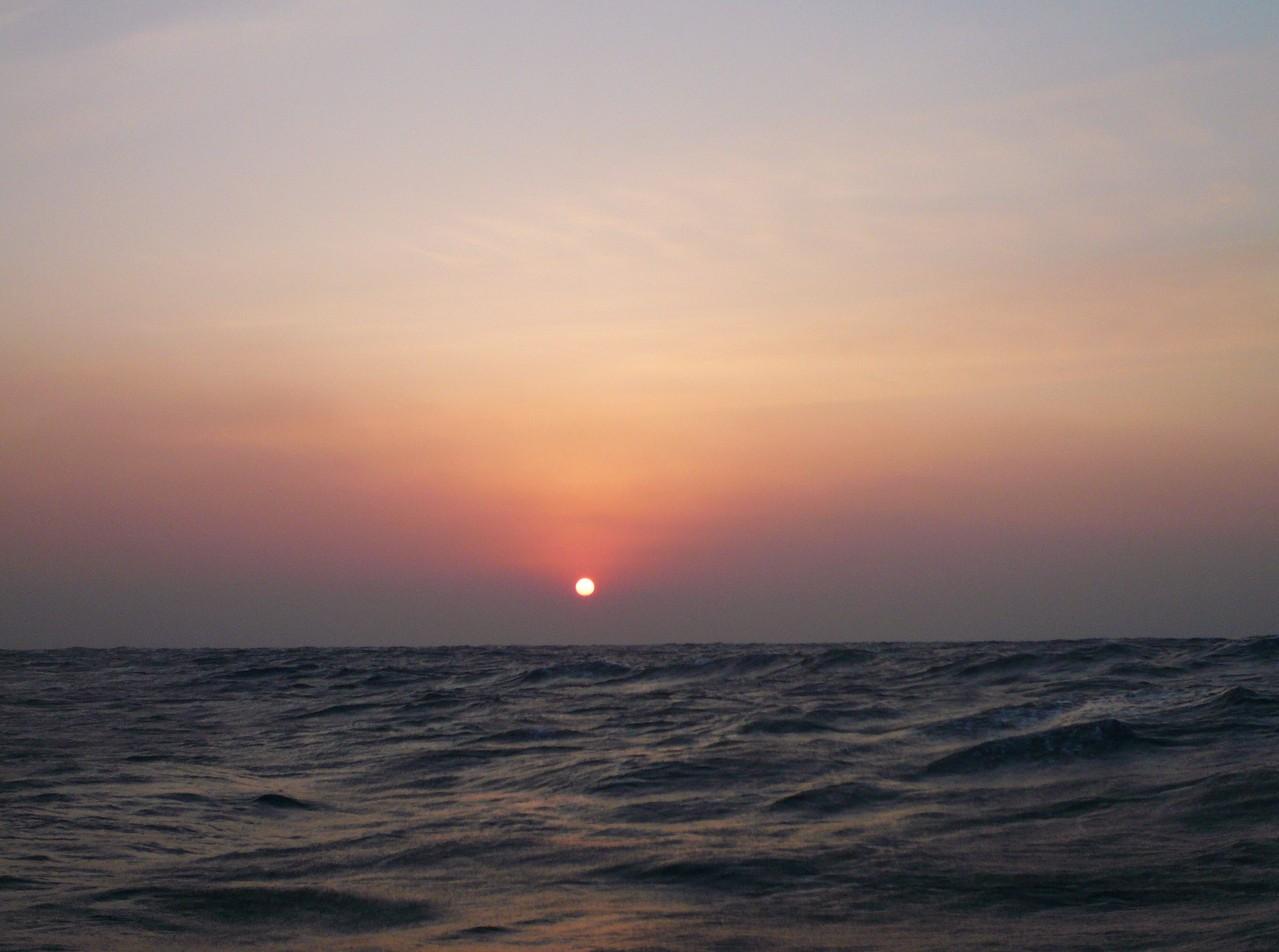 品木の海 1月9日 日の出とともに 波高くなり 北西の風13m