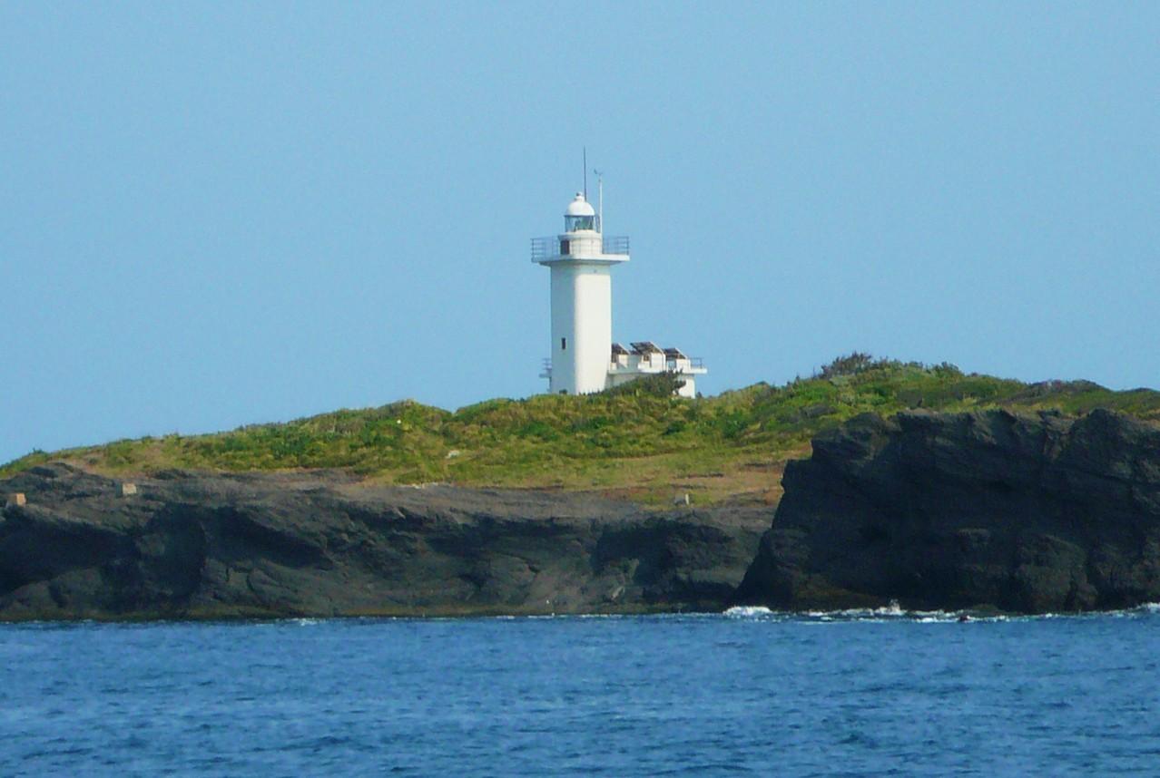 対馬最北端 三ッ島灯台 日本最西端 三ッ島灯台