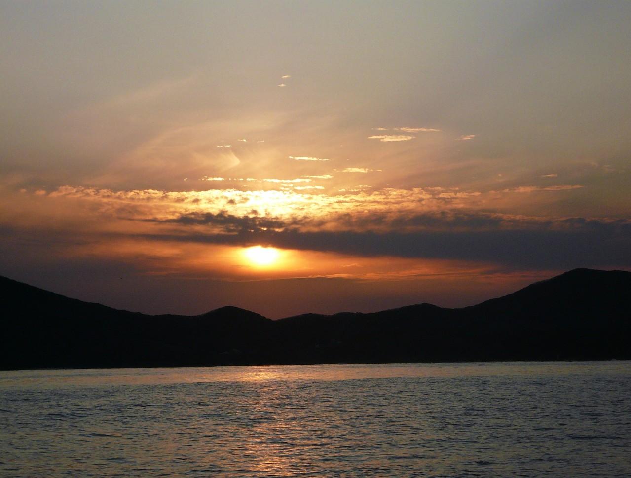 12月27日 久しぶりの夕日(殿崎) 陽が沈むまで 粘ったが釣果悪し