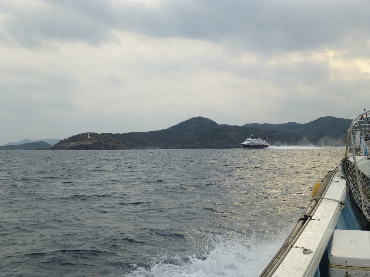 1月5日比田勝港出口 高速艇ビートル釜山へ 本船帰港