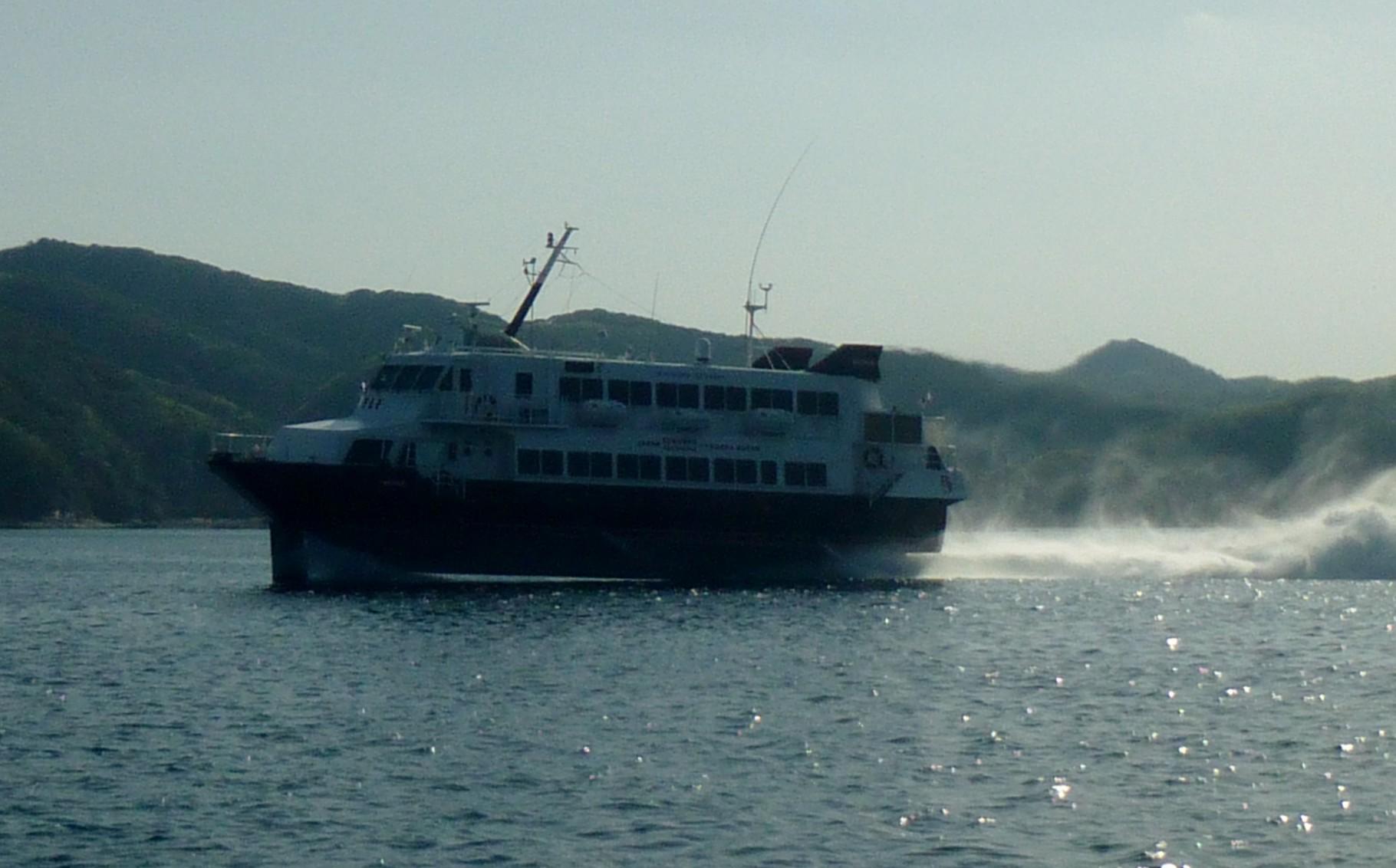 4月8日本船帰港で高速艇釜山へ
