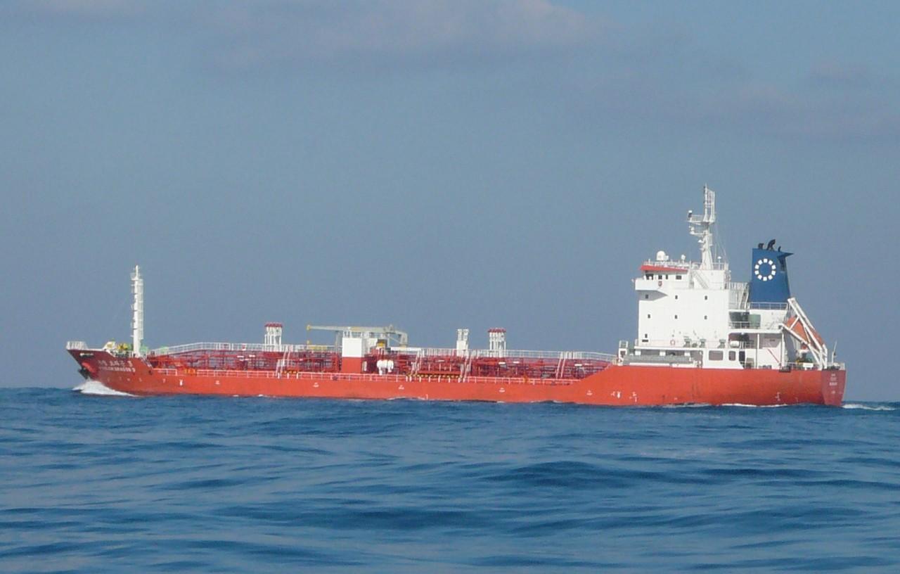 1月11日外国船が近くを通過します 釜山行き