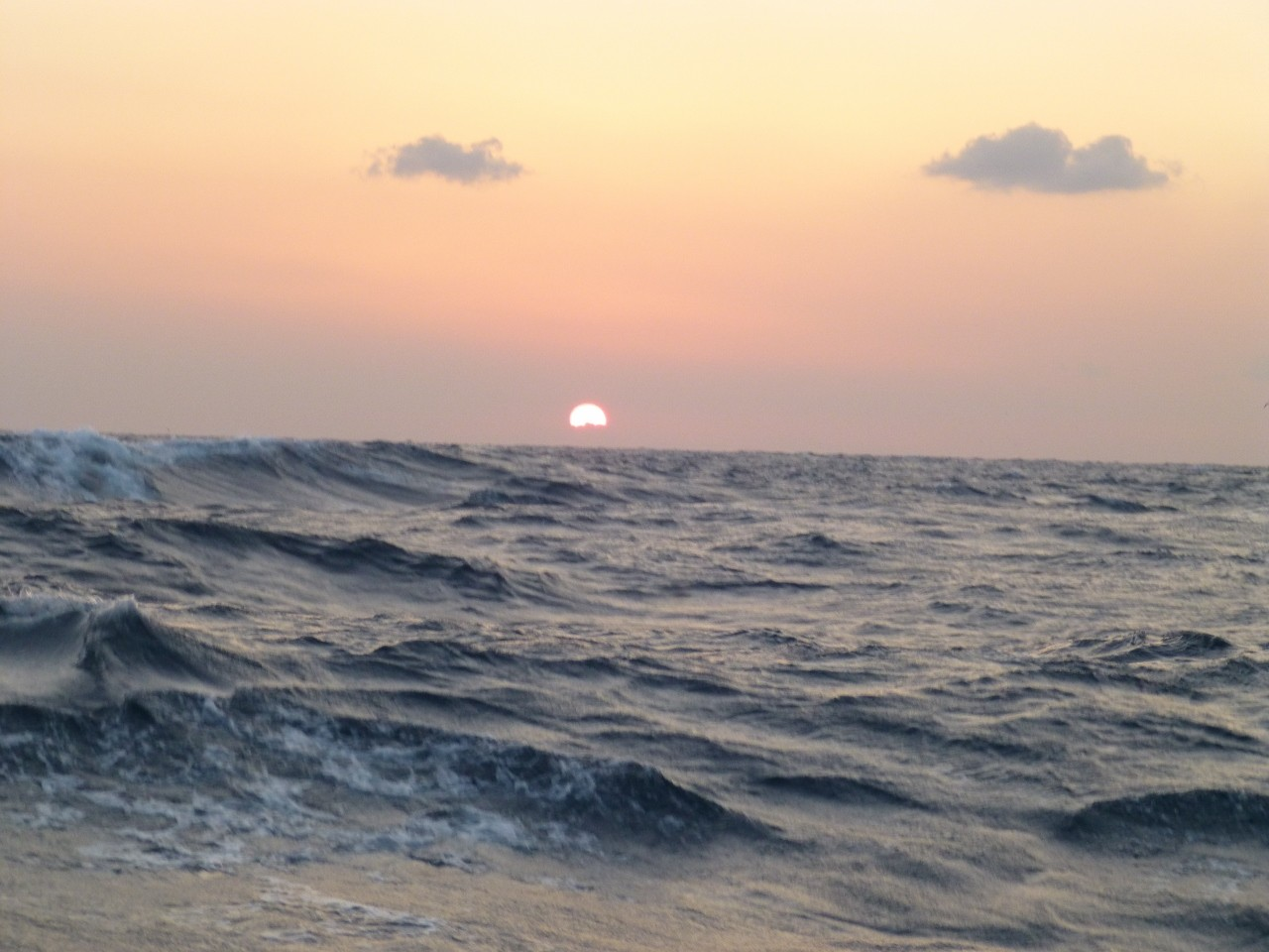 1月11日西南西11m後に16mに成り 沖の三界ポイントから移動へ