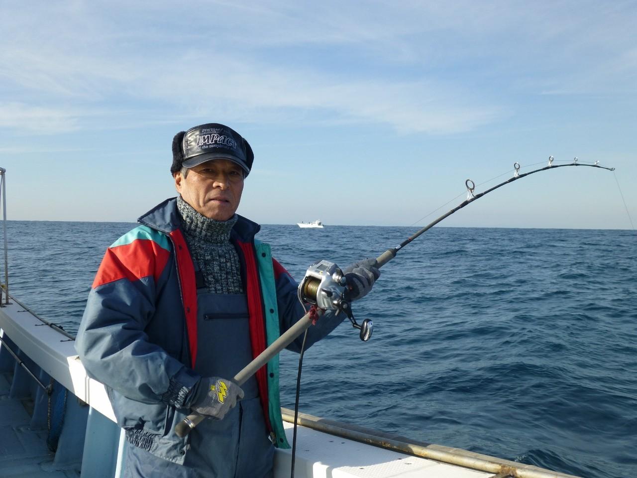 12月26日又も 重い当たり リーダが・・・・サンライズさんタイ釣り場まで遠征です