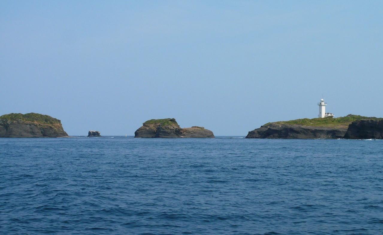 対馬最北端 三ッ島・灯台