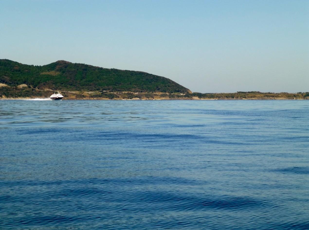 10月18日今日の海は 凪で・湖です