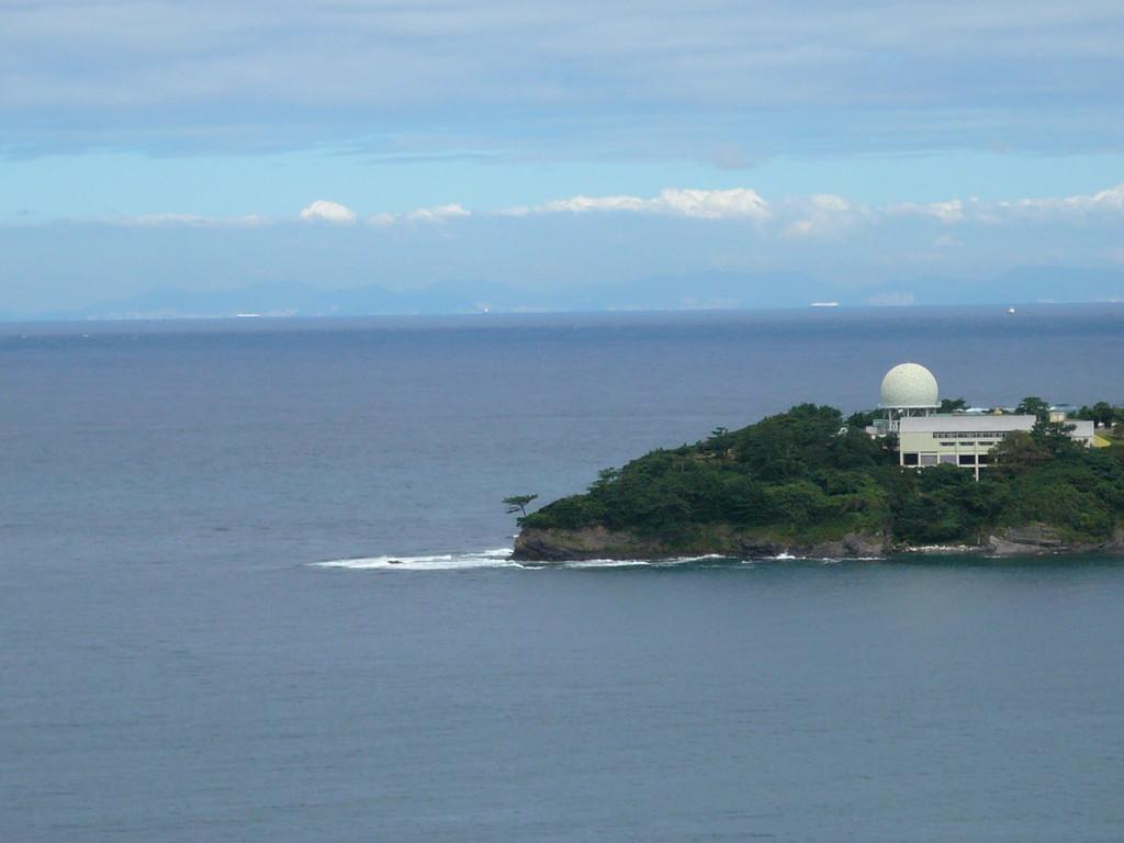 釜山観えていますか? 外国船が毎日 韓国から日本へ行き交う航路です