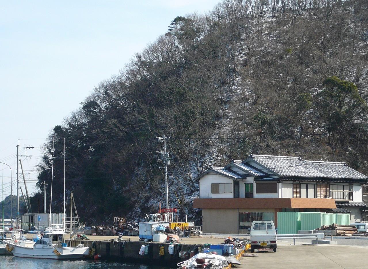 2月9日昨晩の雪化粧 と第八博潮丸  停泊場所