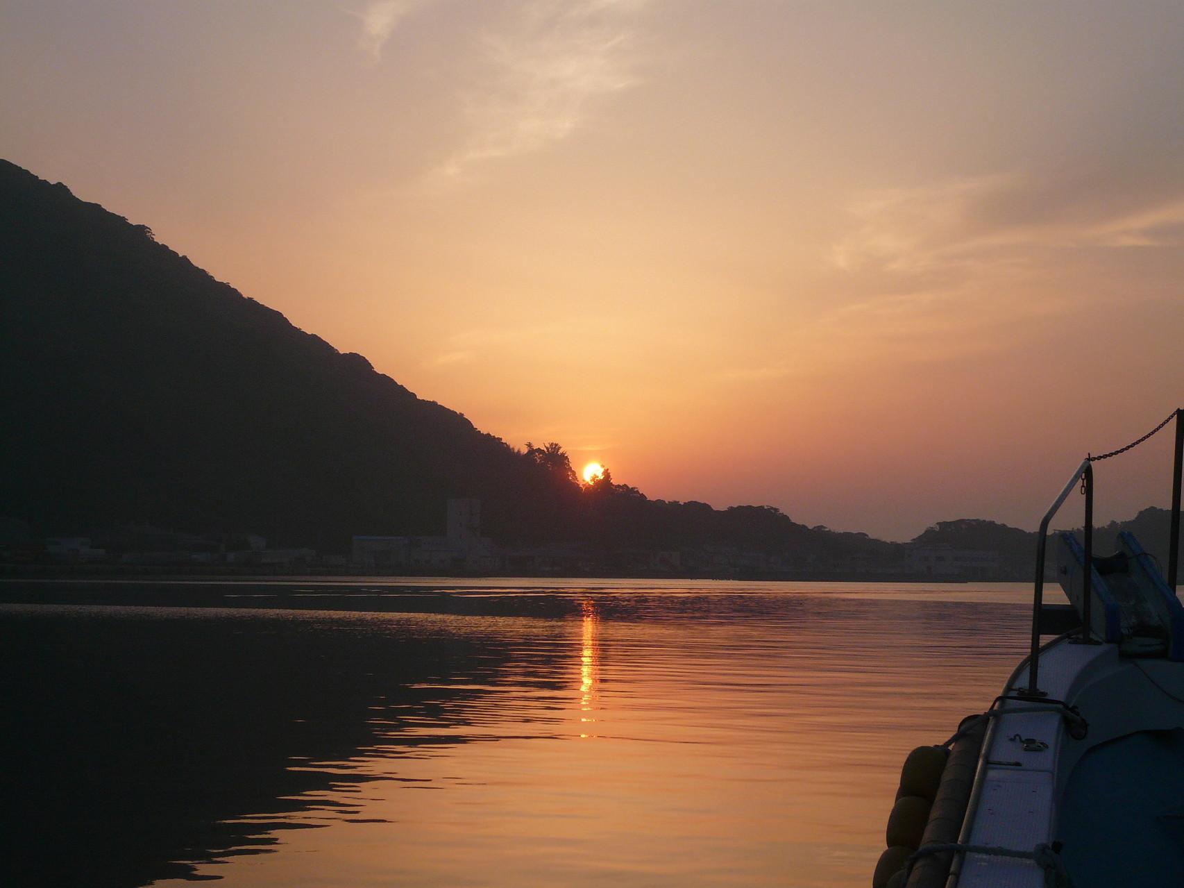 5月13日西泊地区より日の出 博潮丸より