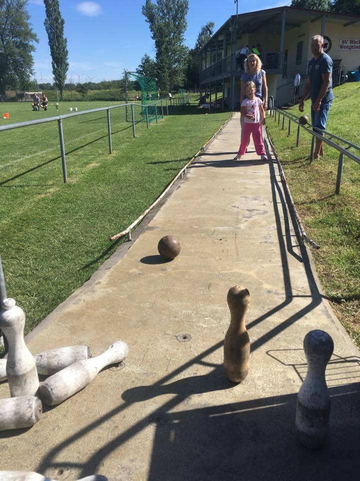 1. Familiensportfest: Disziplin Kegeln