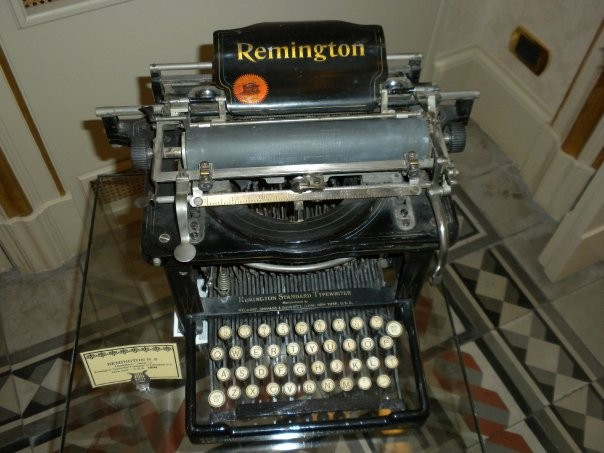 "REMINGTON N. 6  Upstrike ( "" cieca "" ) Remington Typewriter Company, 374 Brodwai N.Y. New Jork  - U.S.A.  1894"