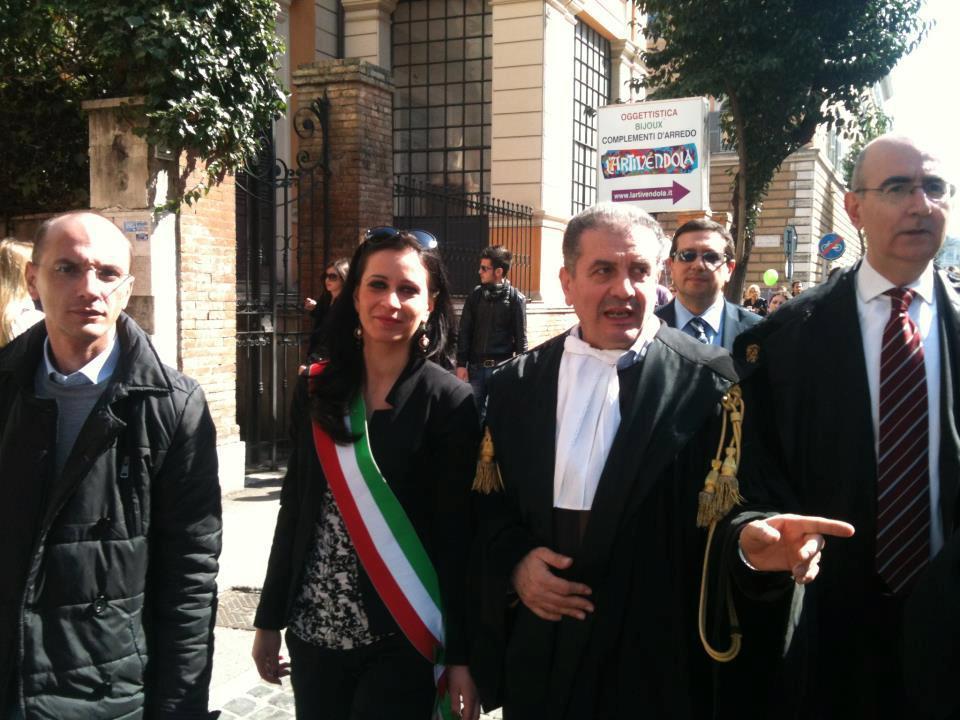 Con il Sindaco di Gagliano C.to, Dott.ssa Grazia Grippaldi in testa al corteo