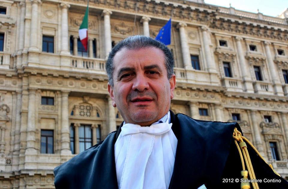 """Piazza Cavour - sullo sfondo il """"Palazzaccio"""""""