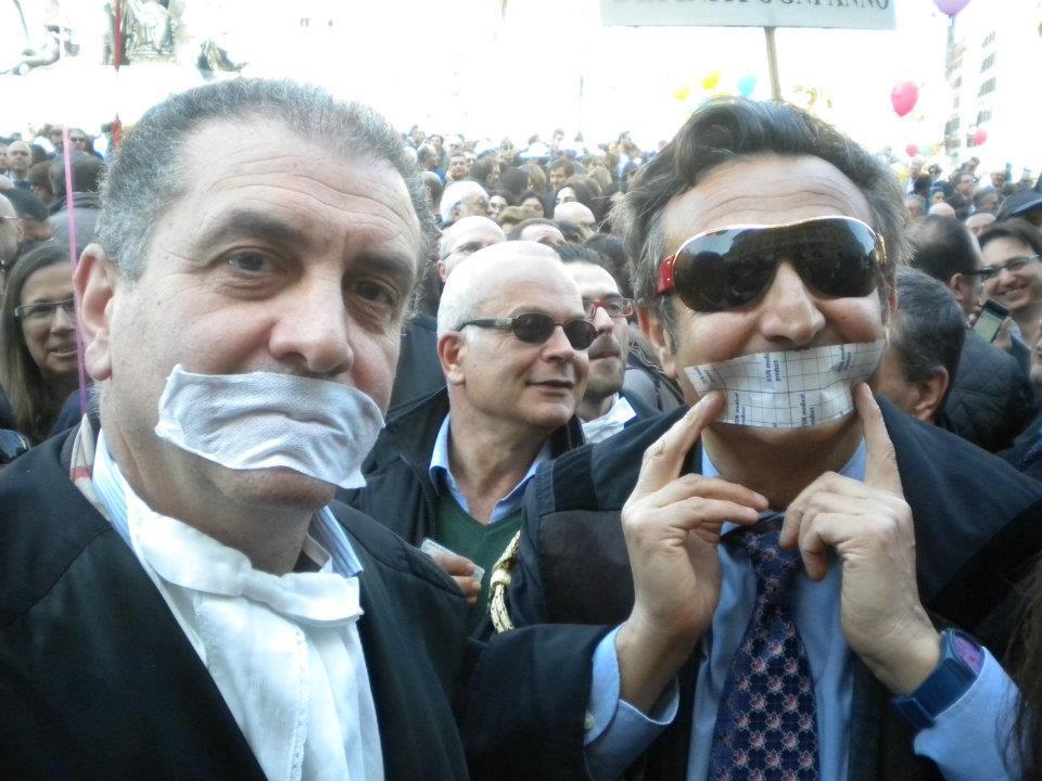 Immagini della protesta: con l'Avv. Piergiacomo La Via