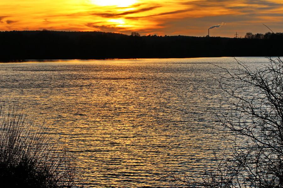 Sonnenuntergang am Halterner Stausee.
