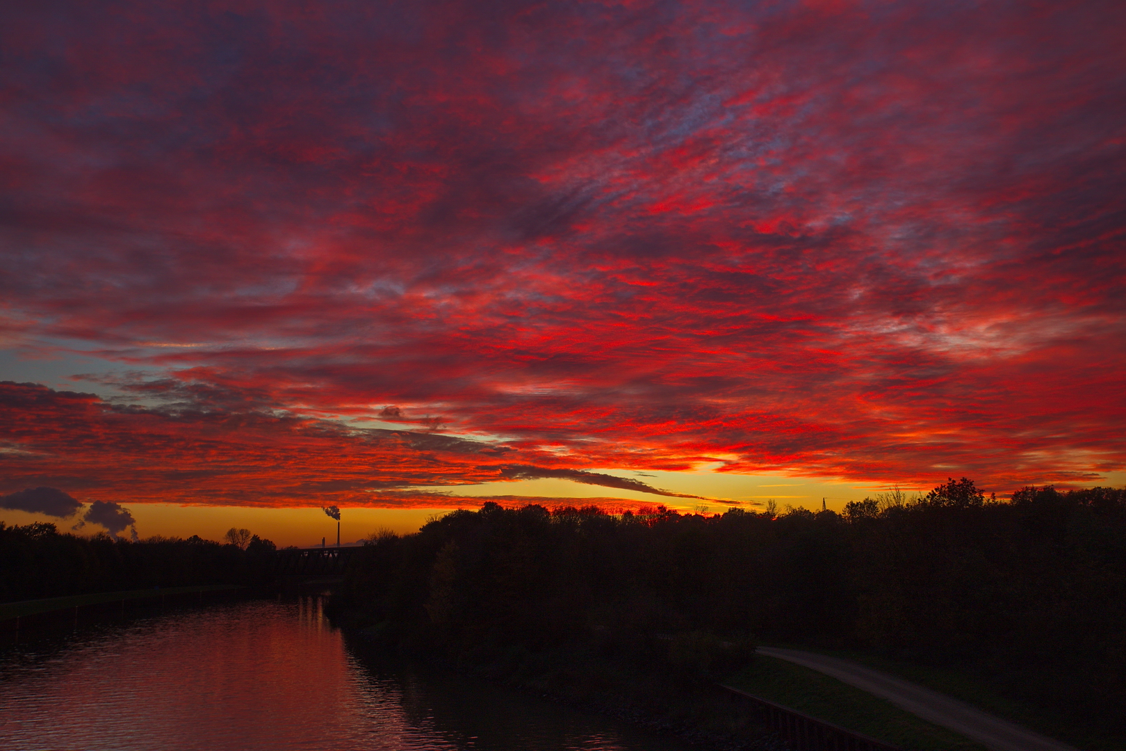 Sonnenuntergang im November 2020 in Haltern Bossendorf.