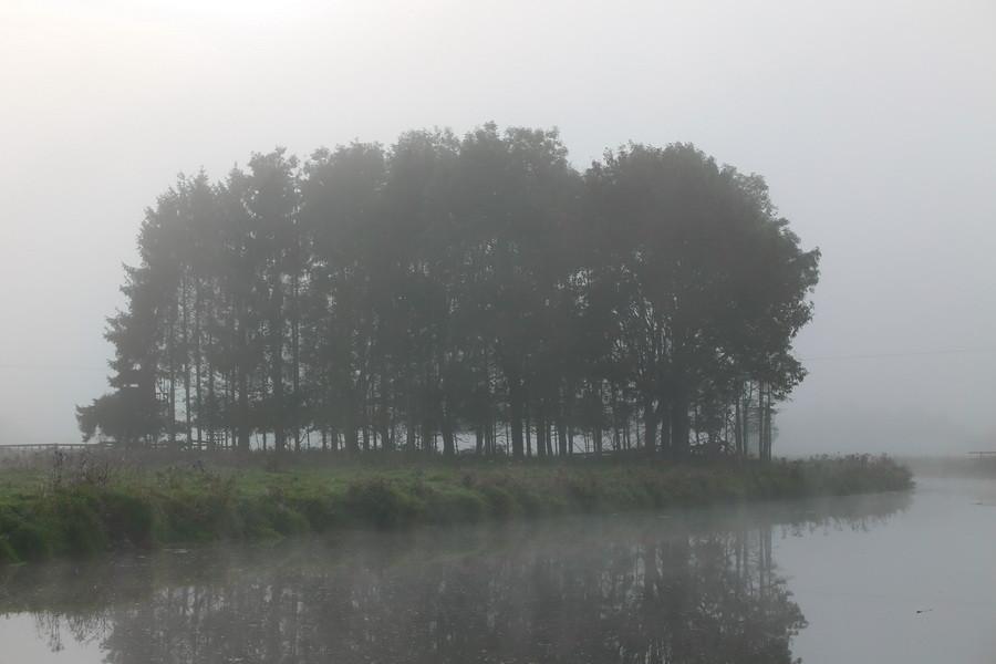 Die Steveraue in Olfen am frühen Morgen und beginnender Herbst.