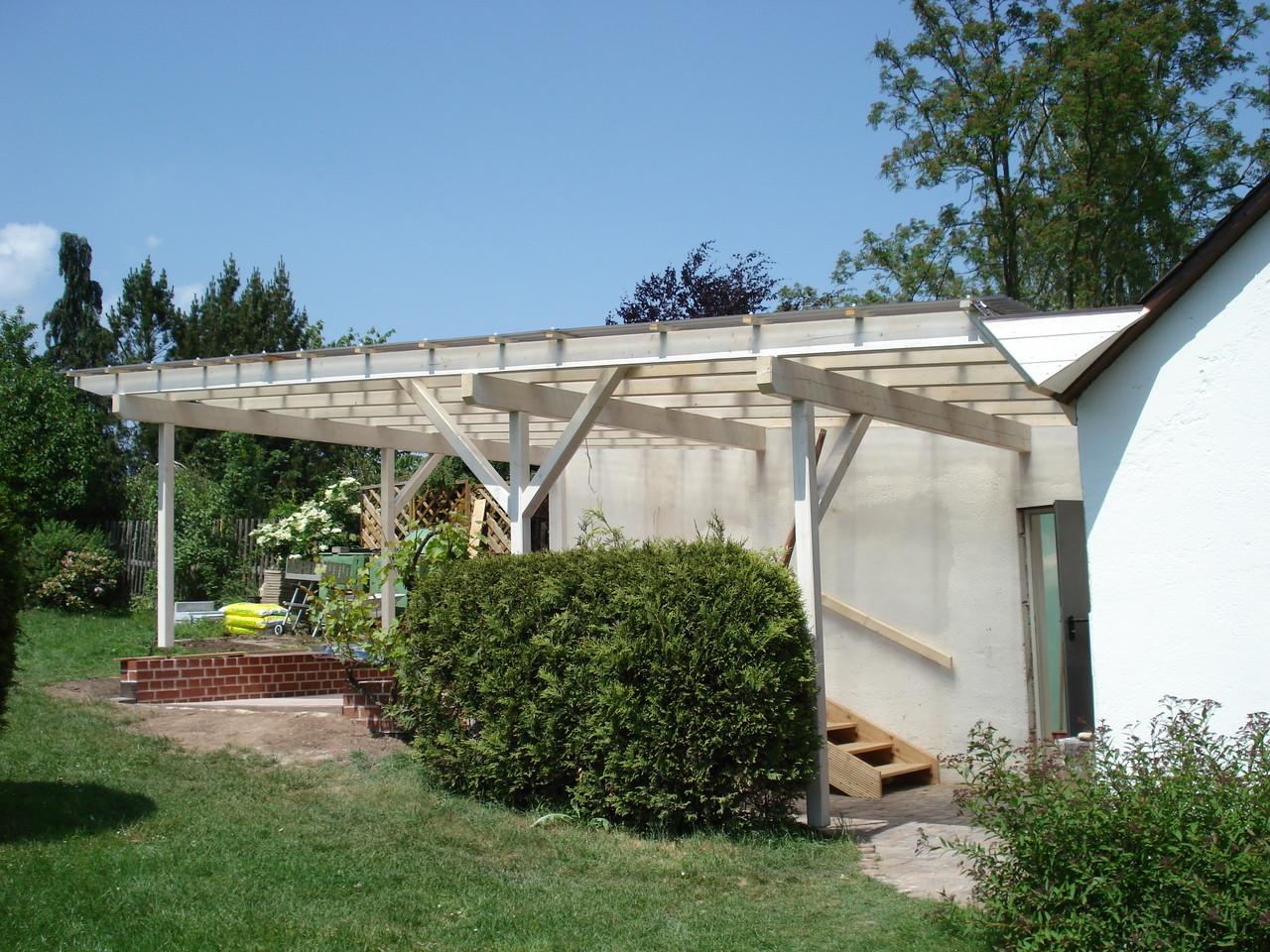 Dach mit Wellplatten