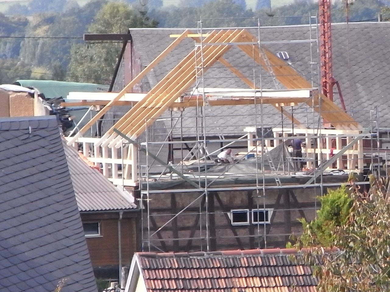 Wiederherstellen eines Dachstuhles einer abgebrannten Scheune