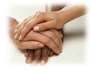 mains qui se serrent