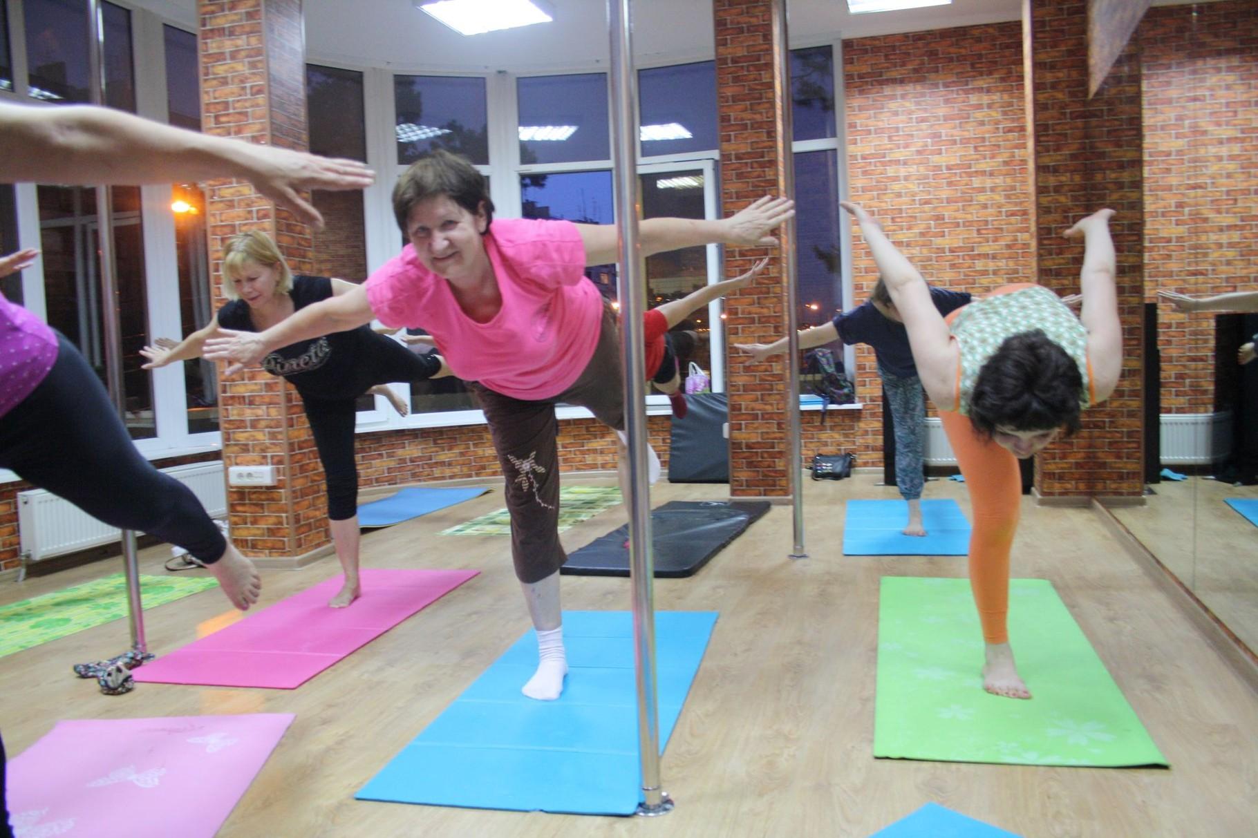 Йога в школе танцев ШАГ ВПЕРЕД на Сормовской