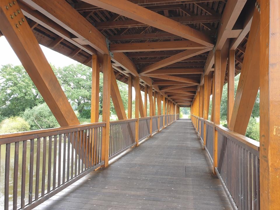 Elbebrücke für Radler