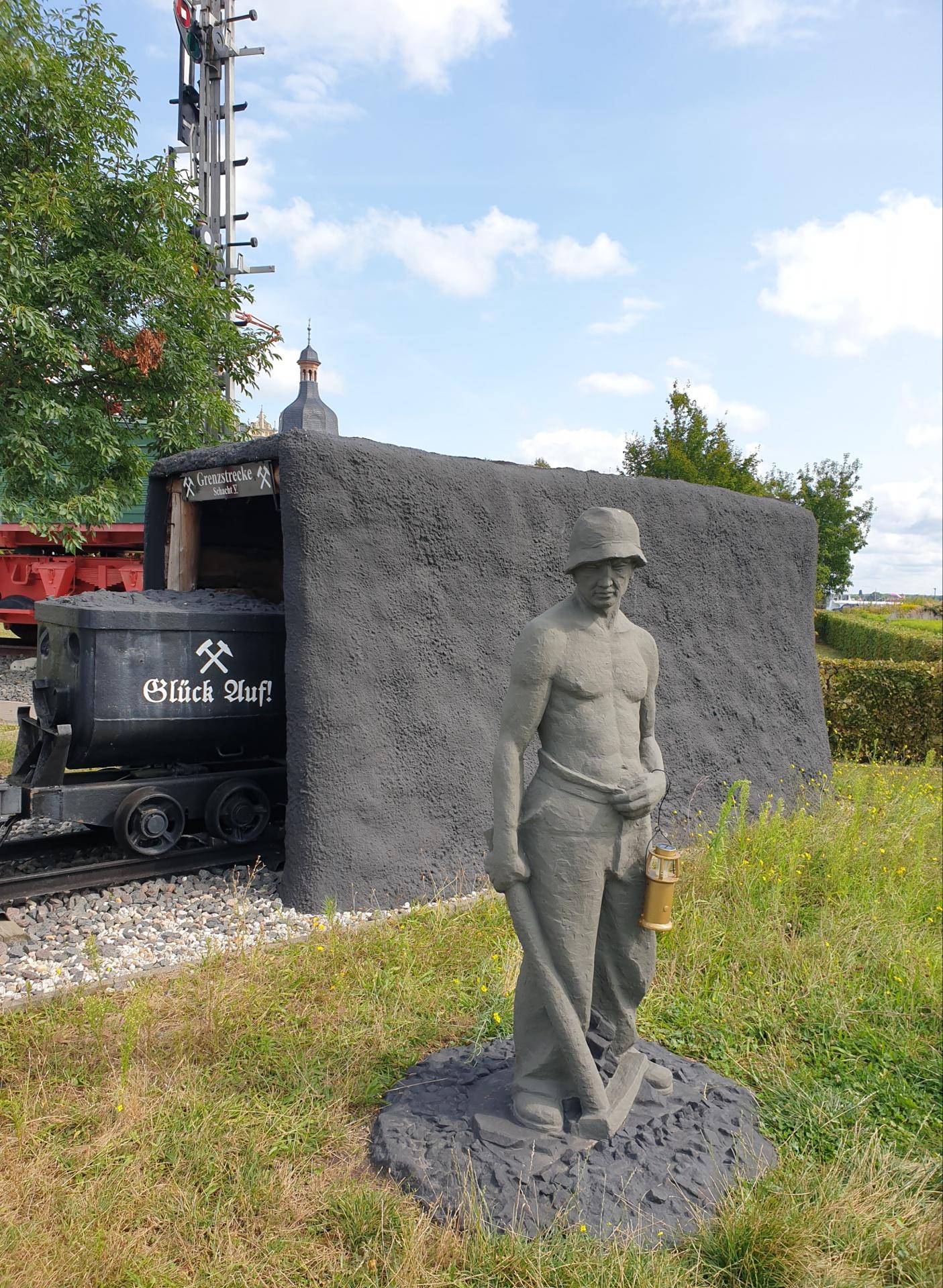Goitzsch, Denkmal für den Bergmann