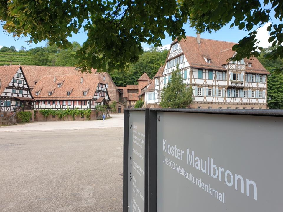 UNESCO Maulbronn, Versorgungshäuser